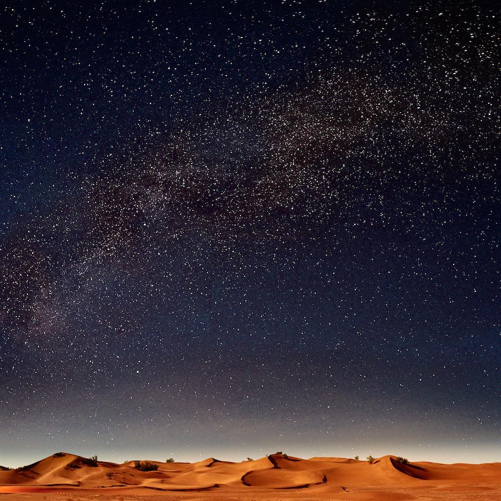 ciel étoilé désert