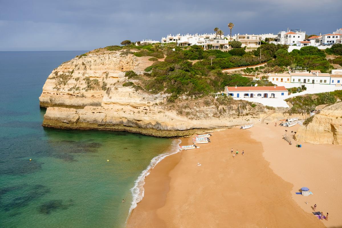 praia de Benagil en Algarve au Portugal