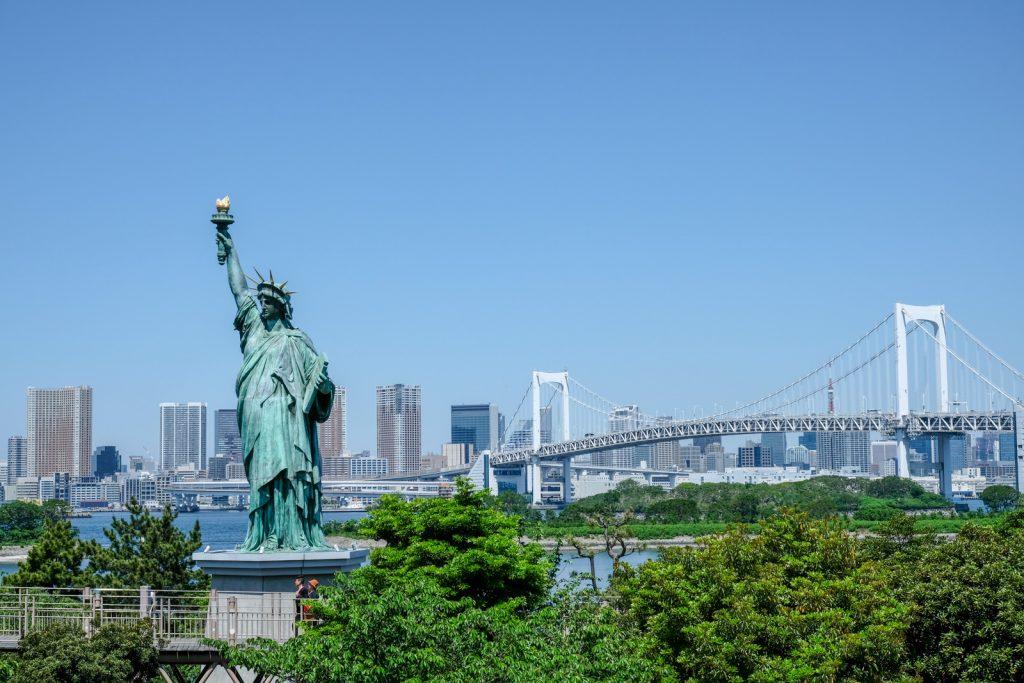 statue liberté tokyo
