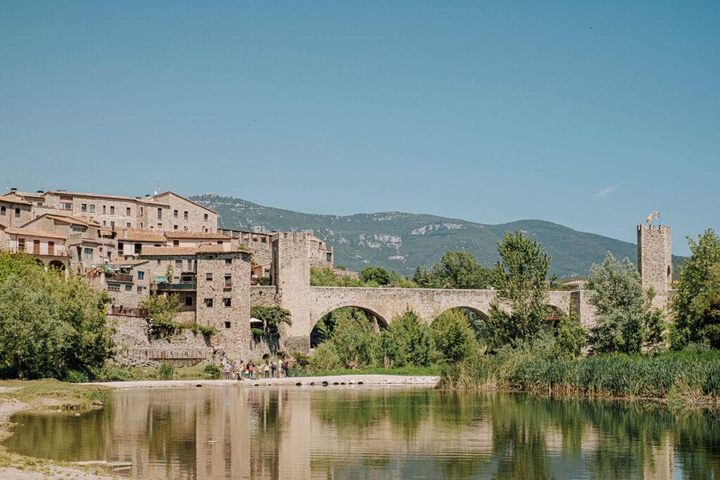 visiter besalu Catalogne