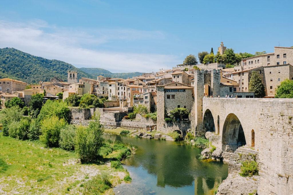 visiter besalu Espagne